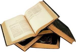"""""""Cada libro es una especie de máquina ... Tienes que leerlo para saber cómo funciona.""""~ Italo Calvino."""