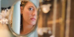.. Esos espejos confirman nuestro sentido de autoestima.